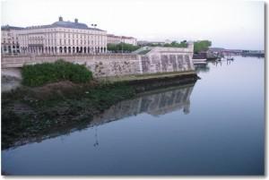 バスク地方、バイヨンヌの旅!独特の地方都市の魅力